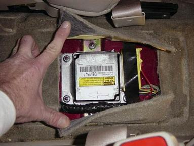 Cadillac Cts Air Bag Seat Sensor Location on 04 gmc envoy fuse box location